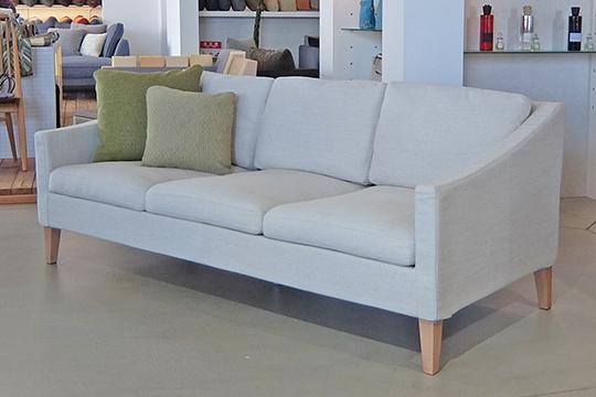 スリムでコンパクトなソファ sofa【15th-C】