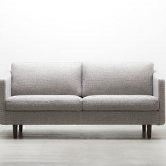 コンパクトな2人掛けソファ